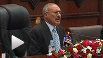 2年後の退陣、息子への権力継承否定を表明するイエメンのサレハ大統領(2日)