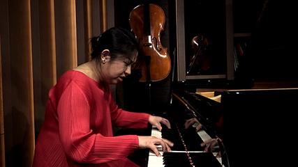 ベートーベン全曲「奏破」に挑むピアニスト 小菅優さん